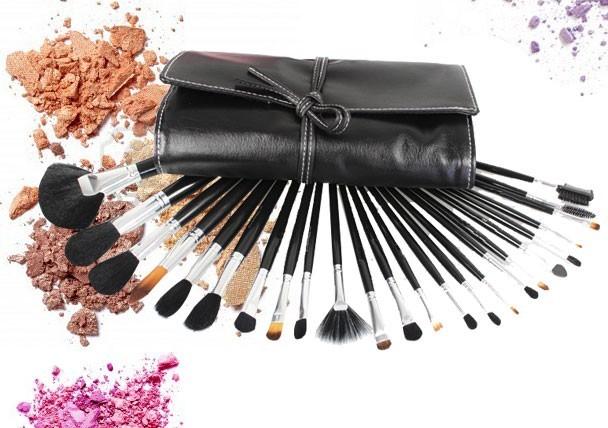Top 9 des pinceaux maquillage indispensables astuces de - Pinceau maquillage pas chere ...