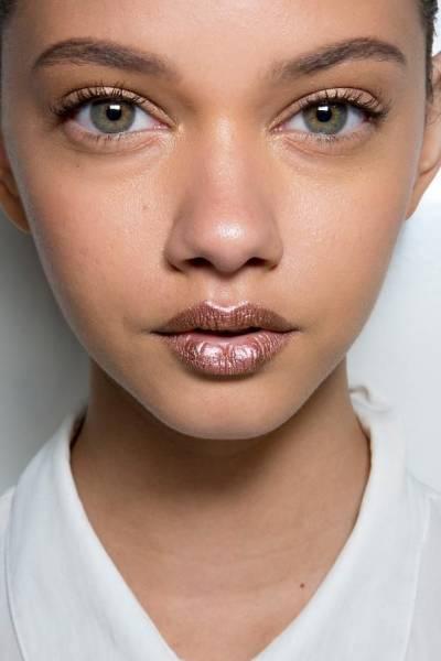 8 Maquillage métallique
