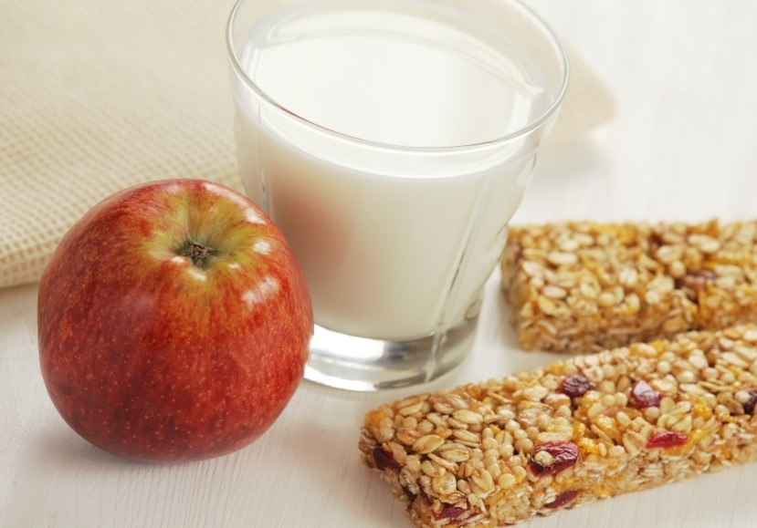 Healthy-snack_iStock_000020585703Small1