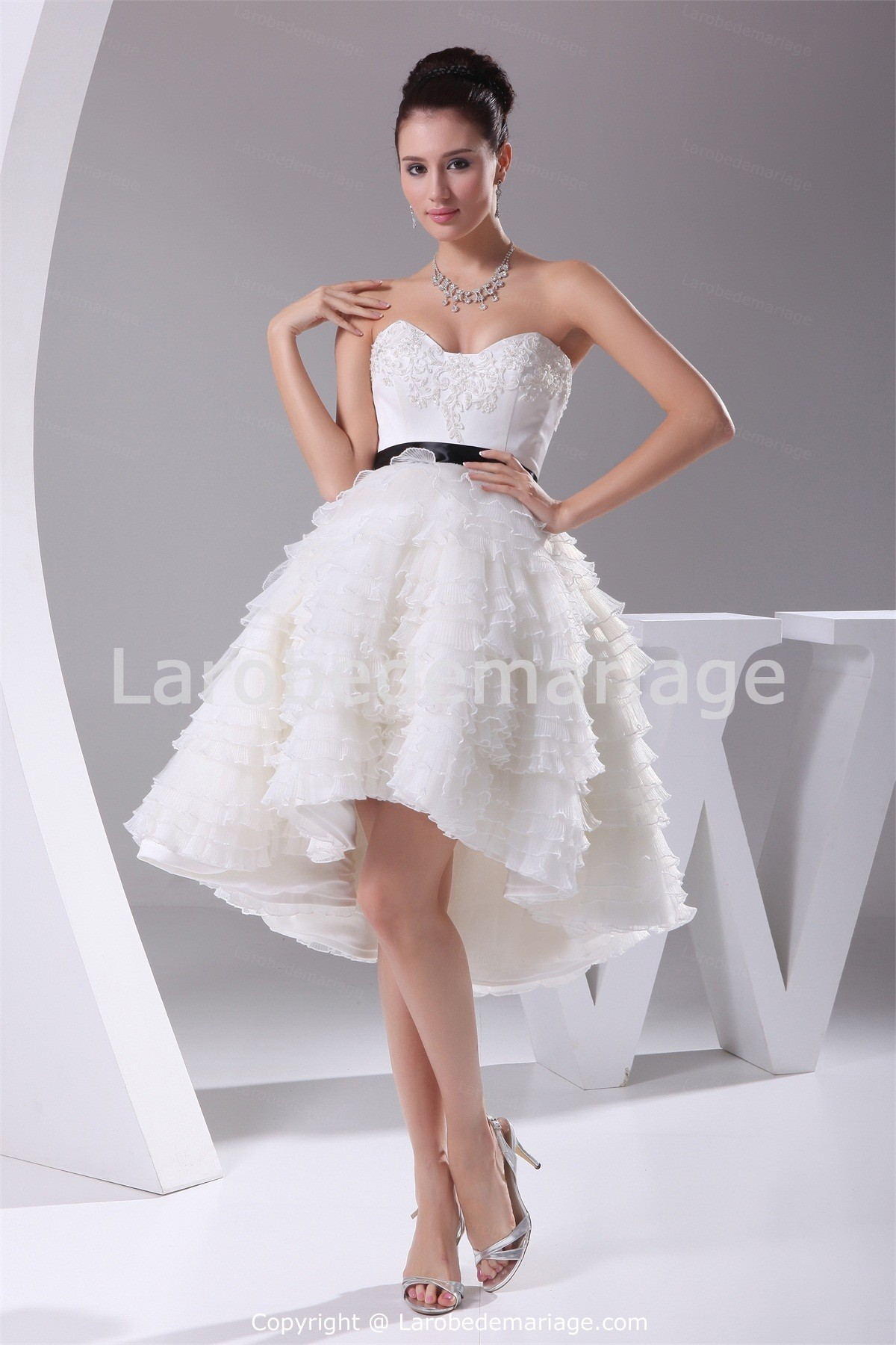Robe bustier de mariée courte