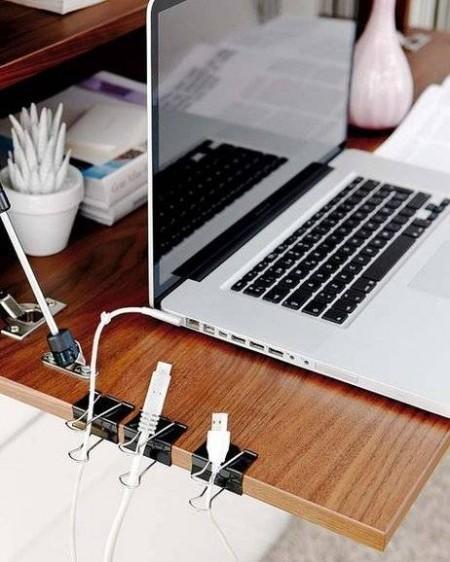 10-idees-de-rangement-pour-mieux-vous-organiser-cables-pc-450x562